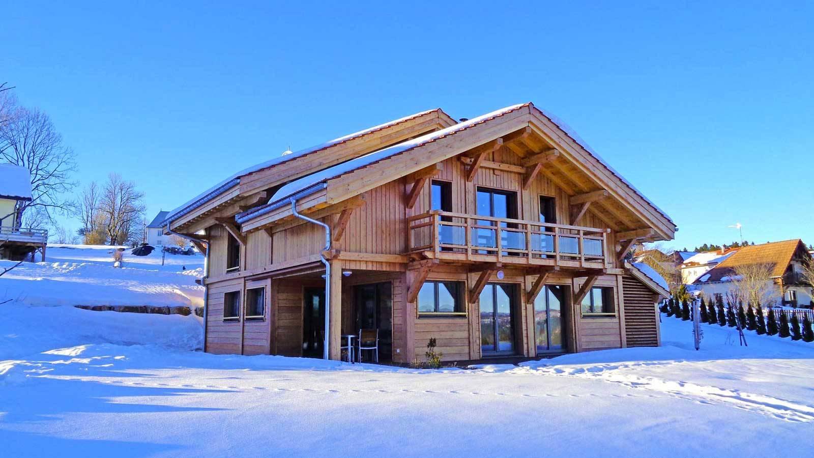 Garnache, chalet tradition et maison contemporaine bois